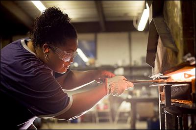 Woman-Blacksmith_The-Crucible-Oakland_Flickr